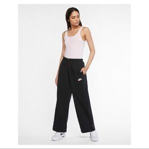 NWT Nike Sportswear 80s Icon Clash Pants Sz M